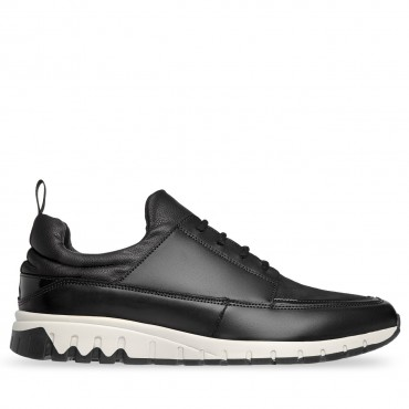 SNEAKER COLOR NEGRO CON GAMUZA FLY